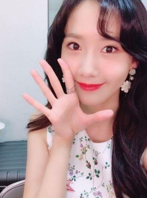 """소녀시대 윤아, 뽀얀 외모로 화제 """"미모가 한결같아"""""""