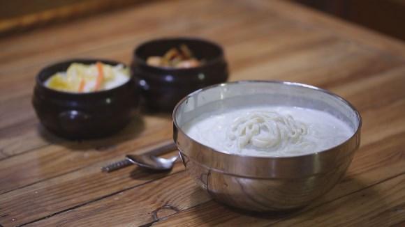 [6호- 경기도 양평] 국내산 콩과 직접 뽑은 면으로 만든 수제콩국수 이미지