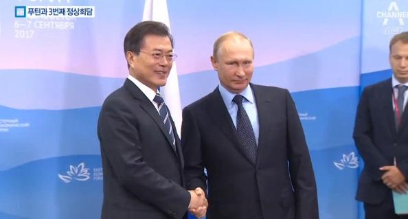 """文, 첫 러시아 하원 연설…""""남북러 3각 협력 확대"""""""