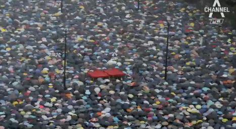 170만 명, 폭우 속 '시위'…중국, 무력 진압 선택할까