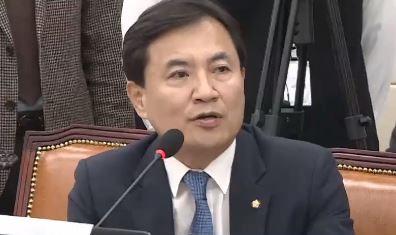 """일부 누리꾼 """"정치의식 부족""""…김진태 """"손흥민이 무슨 죄?"""""""