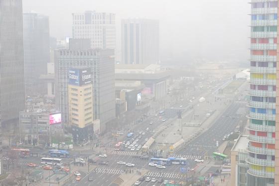 [날씨]수도권 미세먼지 '나쁨'…서울 낮 최고 25도