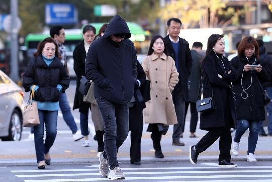 [날씨]오후 강풍 주의…낮이 더 춥다, 서울 낮 '5도'