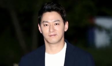 """[오픽]주진모 """"문자 속 여성들 죄송""""…대중 반응 '싸늘'"""