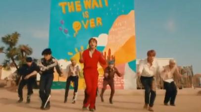 BTS 넘은 BTS…'퍼미션 투 댄스'로 빌보드 1위 '바통터치'