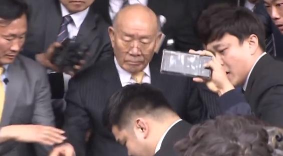 민주당, 정기국회서 '전두환 국가장 방지법' 추진