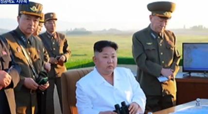 발사 성공, 김정은 표정은…침통 왜?
