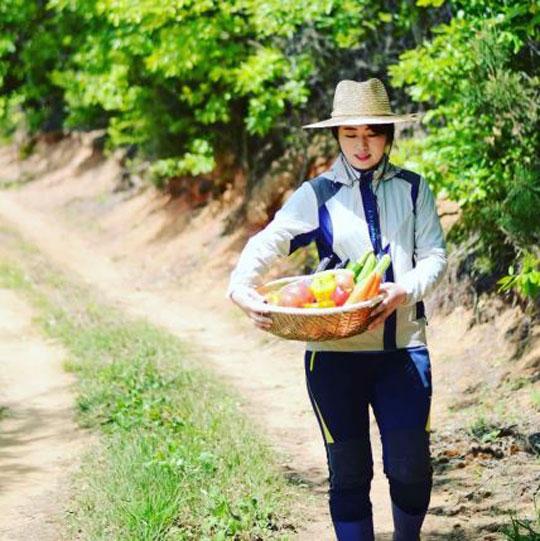 [취재현장 '톡']리틀 포레스트 실사판 '상주 미녀농부' 썸네일이미지