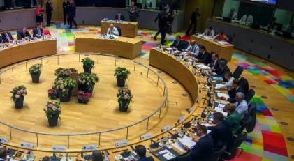 """""""국경 단속 강화"""" 합의…난민에 문턱 높이는 유럽"""
