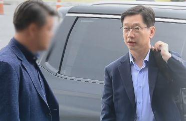 """김경수 """"어두운 터널이 곧 끝나간다"""" 자신감"""