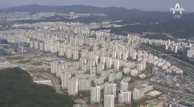 """정부 """"서울 부동산 과열…투기지역 추가지정 검토"""""""