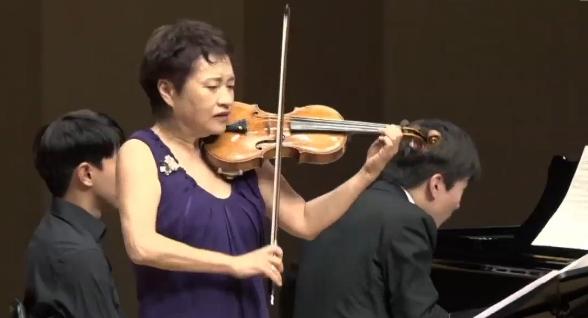 정경화-조성진 한 무대에…46년 세월 초월한 하모니