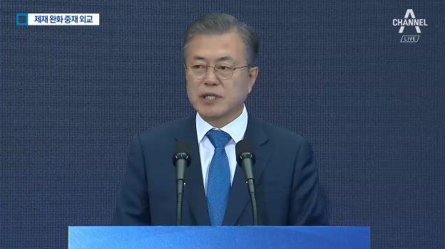 대통령·장관 총출동…北 제재 완화 중재외교 시동