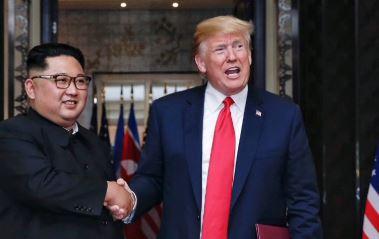 "CNN ""북미, 연락관 교환 검토""…관계 정상화 첫발"