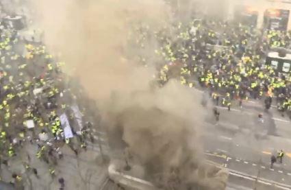 명품 거리 방화·약탈…부자 겨냥하는 '노란조끼' 시위대
