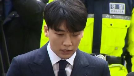 """[단독]""""유흥업소 여종업원 불렀다""""…승리, 3번 이상 ...."""