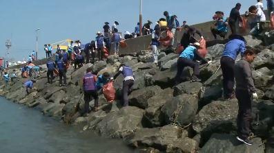 인체에 파고드는 플라스틱 해양쓰레기…바닷속 생태계 파괴
