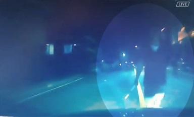 주택가의 심야 공포영화…둔기 들고 여성 차량 추격