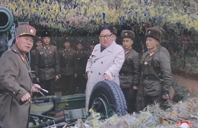 """김정은, 서해서 해안포 사격…국방부 """"군사합의 위반"""""""
