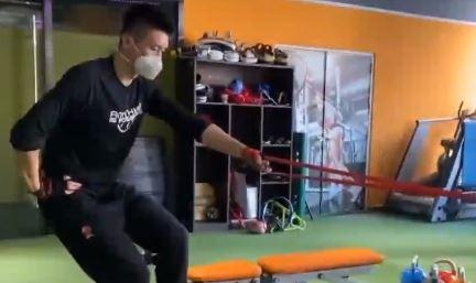 중국 쑨양도 예외 아니다…마스크 쓰고 맹훈련