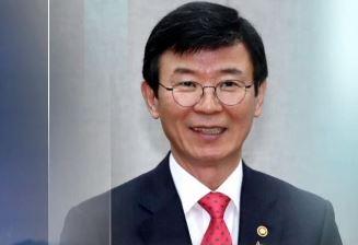 문성혁 해양수산부 장관, 확진자 접촉으로 자가격리