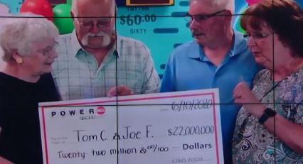 [유라이크]당첨금 2,200만 달러 나눠 가진 친구