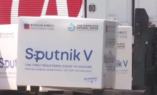"""방역당국 """"러시아 백신 도입 검토""""…냉장보관 장점"""