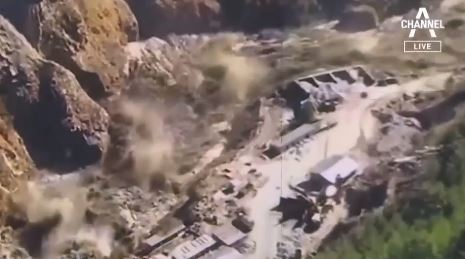 빙하가 만든 히말라야 쓰나미에…200여 명 실종
