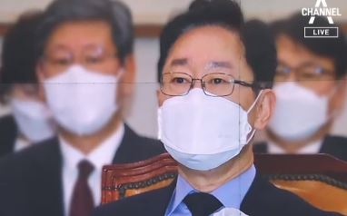 """박범계 """"검찰이 언론 플레이""""…패싱 논란은 '침묵'"""
