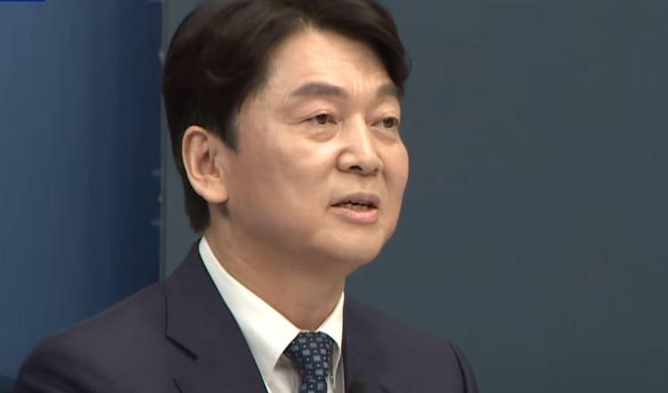 안철수, 1차 관문 통과…최종 단일화 '신경전'
