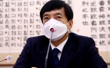 """""""최소 4차례 전화""""…이성윤, 김학의 출금 보고서 관여...."""
