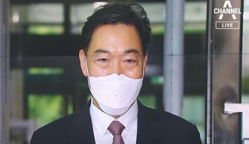 고문료 명목으로 월 2900만 원…김오수 전관예우 논란