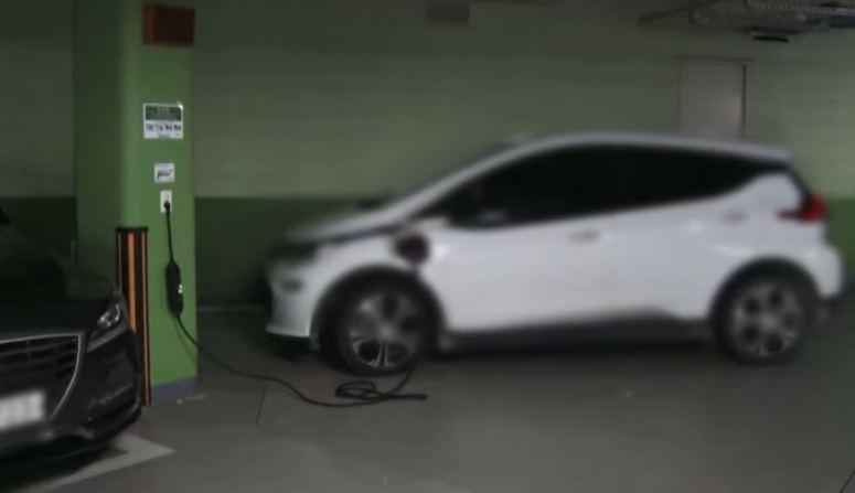 [현장 카메라]늘어난 '전기 도둑'…일반 콘센트서 충전....