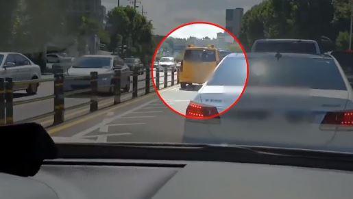 [단독]유치원 차 타고 버스전용차로 '쌩쌩'…시의원 출....