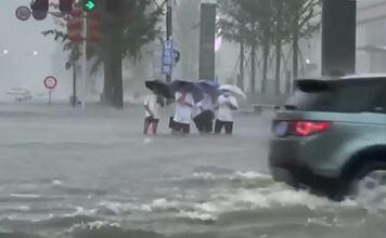 3층도 물이 출렁…中 허난성 폭우로 33명 사망·8명 ....