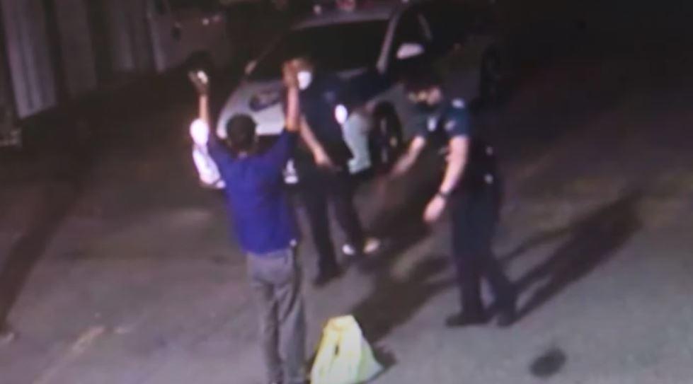 '팔자걸음'에 딱 걸린 마창진…주거지 인근에서 체포