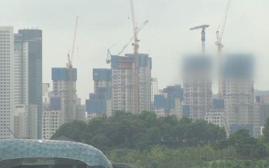 대출 규제 발 묶인 사이…알짜 아파트 쓸어담는 중국 큰....