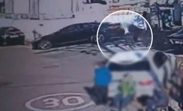 내리막 200m 구른 볼링공…안경점 습격에 '엉망진창'