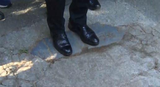 이재명, 전두환 비석 밟고 봉하로…25일 지사직 사퇴