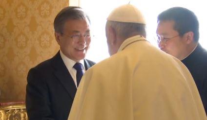 문 대통령, 다음 주 교황 만나 '방북' 두 번째 요청
