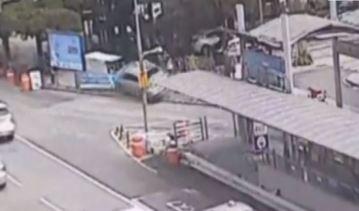 78세 운전자 차량, 장날 보행자 덮쳐 7명 부상