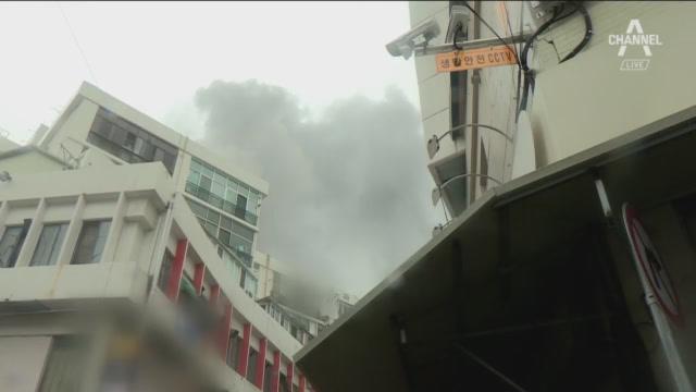 스프링클러 없는 사우나 4층서 불…2명 숨져