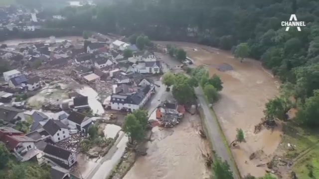 서유럽 100년 만의 최악 폭우에 비상…100명 넘게 ....