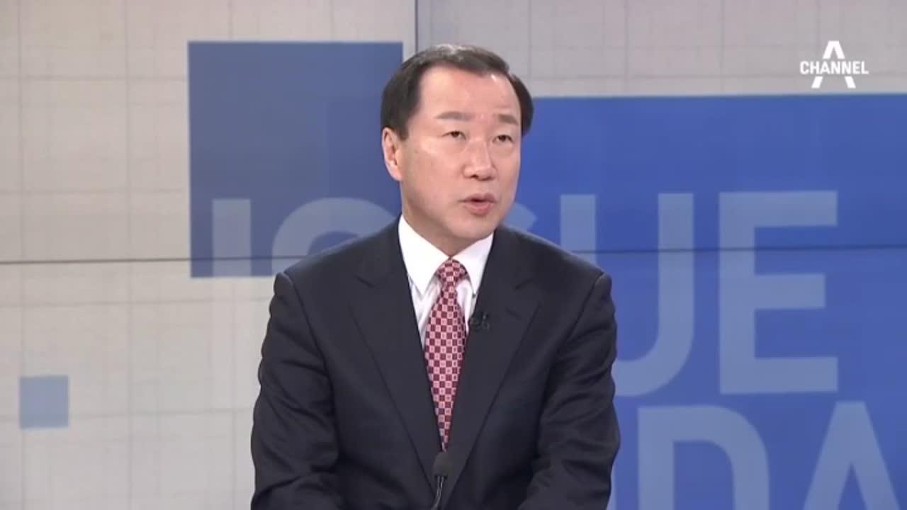 檢, 박근혜 공개소환…포토라인 세우고 영상 녹화